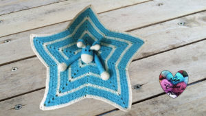 Doudou étoile girafe Lidia Crochet Tricot