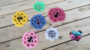 Tutoriels crochet Fleurs avec boutons crochet fait main tutoriel DIY Lidia Crochet Tricot