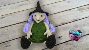 Sorcière Halloween crochet DIY Lidia Crochet Tricot